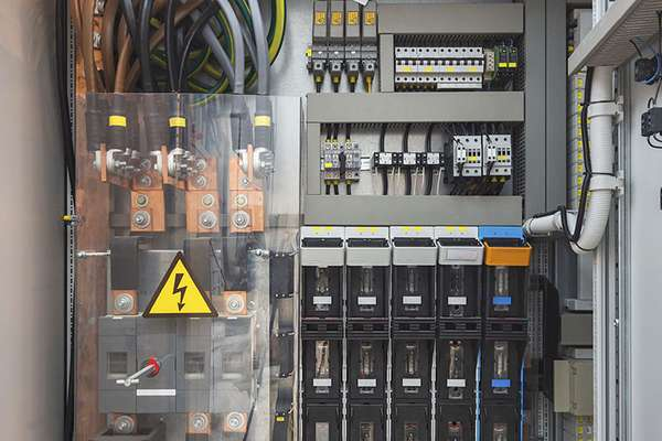 csm_Electrical-industry_Branche_2016_5ba5168909